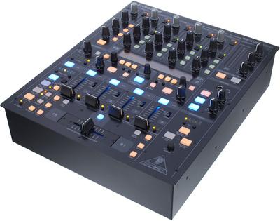 Behringer DDM 4000 DJ Mixer